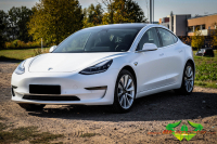 Tesla Model 3 - Satin White - Ravenblack Carbon
